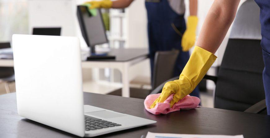 Дезинфекция на помещения трябва да се извършва от обучени и оборудвани специалисти. Саниста ВИП разполага с подготвени екипи за дезинфекция.