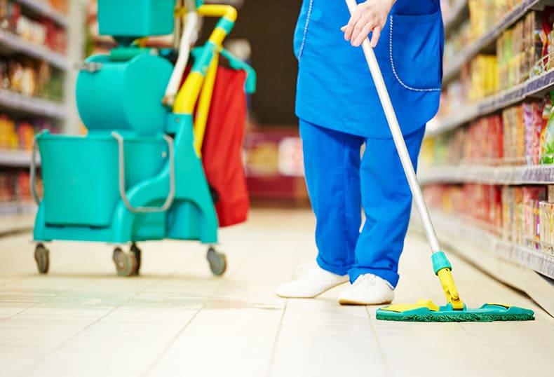 Дезинфекцията на търговските обекти е постоянна през целия работен ден. Редовно се почиства пода с подходящите препарати. Третират се и рафтове, витрини, каси и др.
