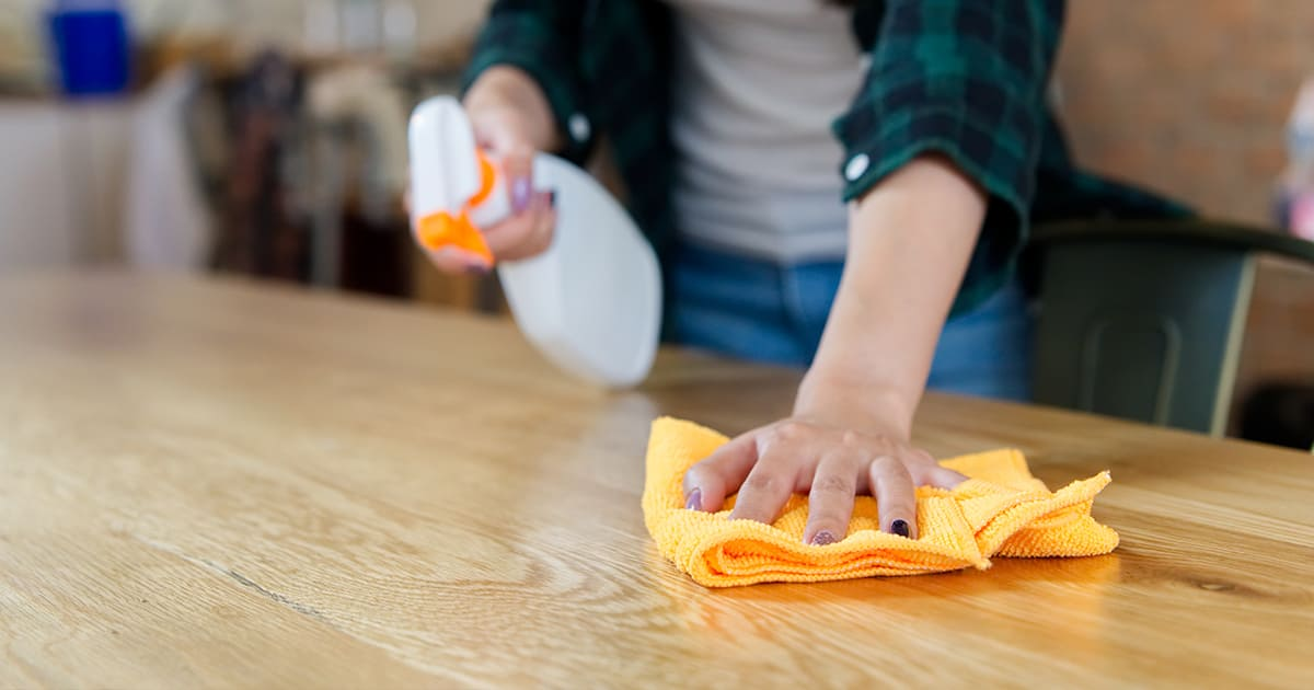 Дезинфекцията на заведения е нещо, което трябва да се прави абсолютно отговорно. Поддържането на хигиената трябва да е постоянна за да се пази здравето на клиентите.